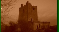 Clonony_Castle_by_a_yellow_moon