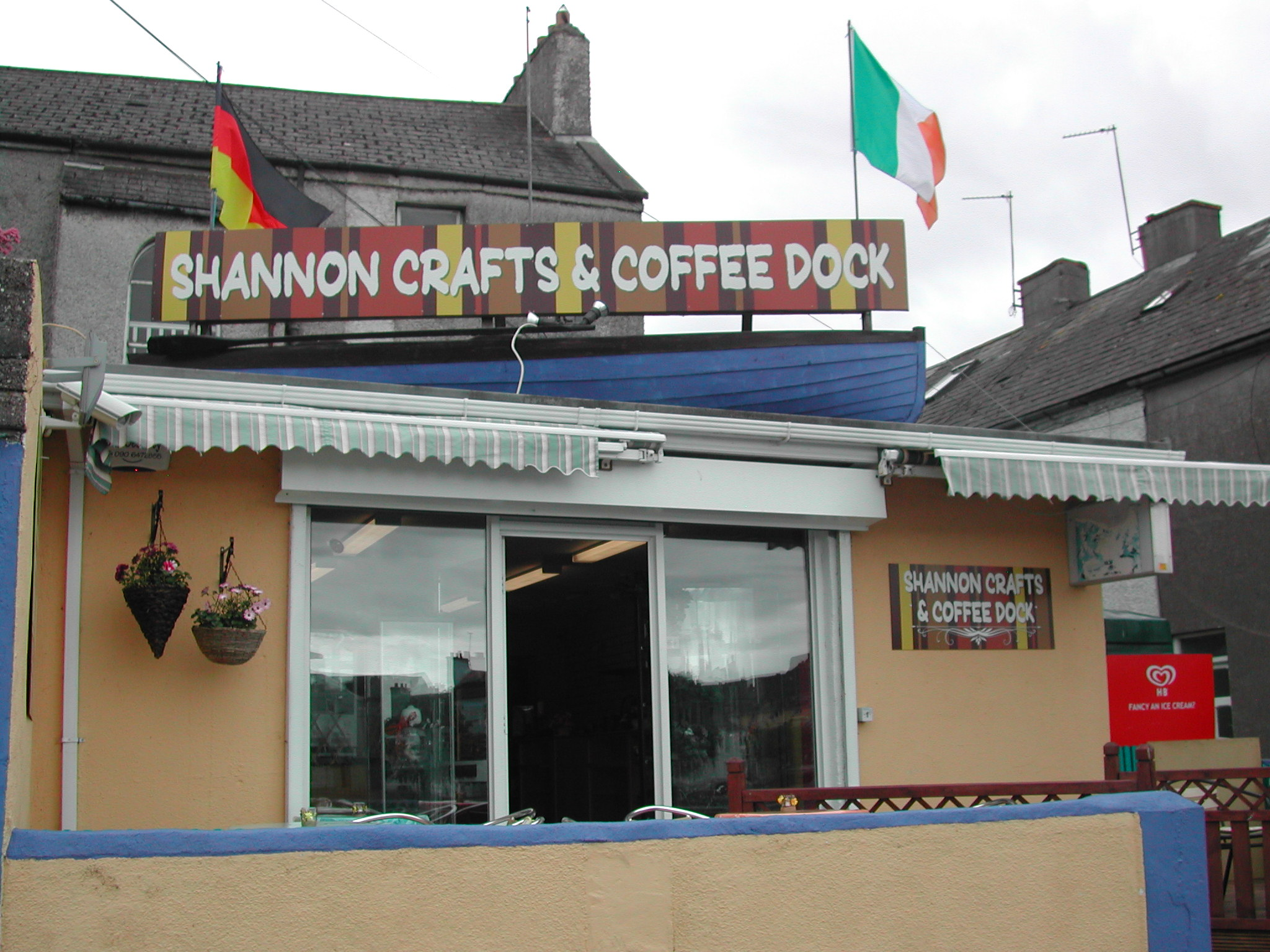 Shannon Crafts and Coffee Dock - Discover the Shannon
